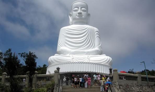 Sự bình yên ở chùa Linh Ứng Bà Nà
